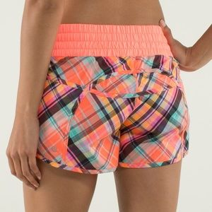RARE Lululemon Rad Plaid Tracker Run Shorts 6 S M